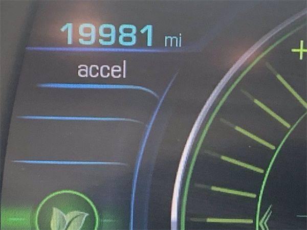 2017 Chevrolet VOLT 1G1RC6S5XHU136076