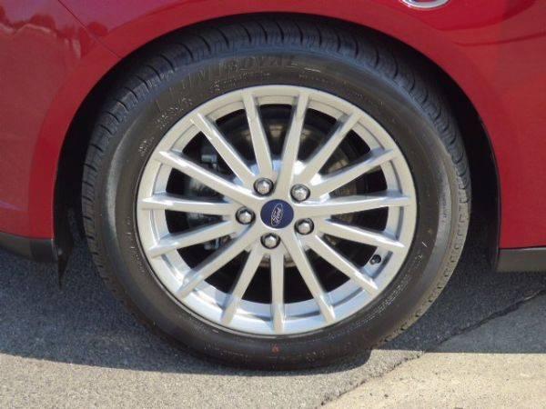 2015 Ford Focus 1FADP3R44FL314901
