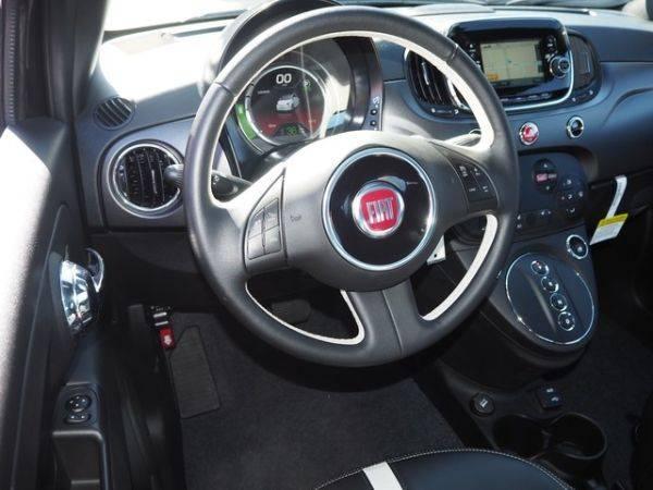 2018 Fiat 500e 3C3CFFGE8JT471645
