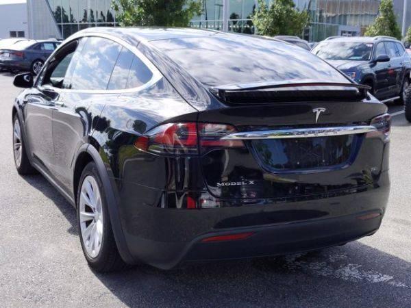 2018 Tesla Model X 5YJXCDE23JF113466