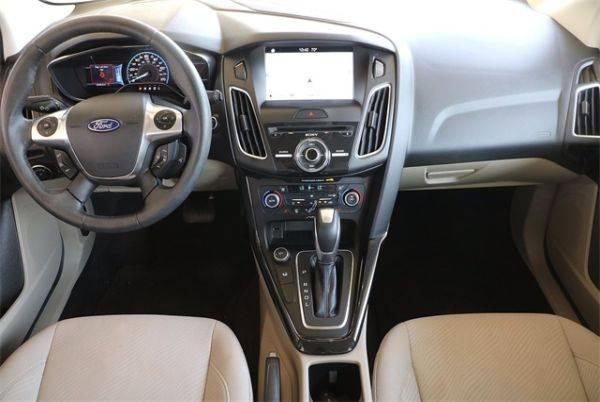 2017 Ford Focus 1FADP3R41HL319749