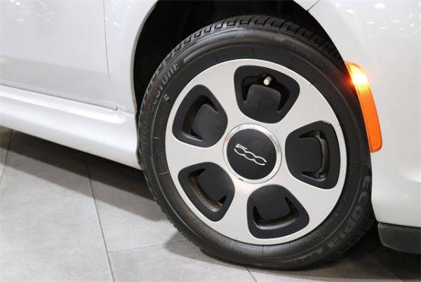 2017 Fiat 500e 3C3CFFGE0HT682445