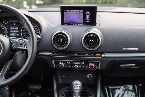 2018 Audi A3 Sportback e-tron WAUUPBFF1JA056560