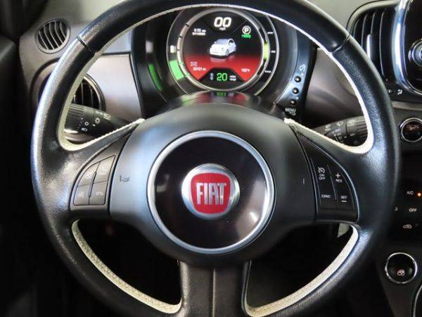 2017 Fiat 500e 3C3CFFGE8HT643621