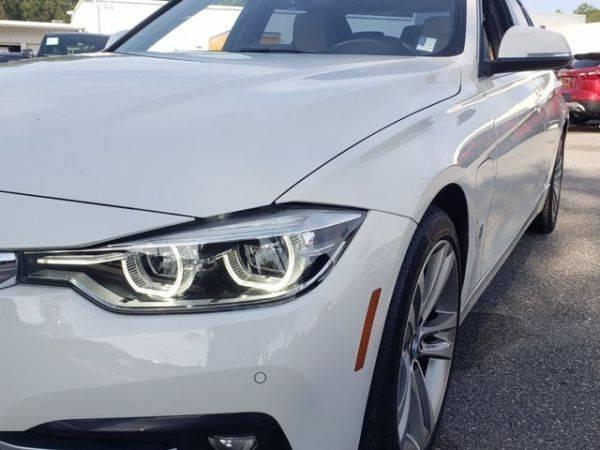 2017 BMW 3 Series WBA8E1C36HK895524