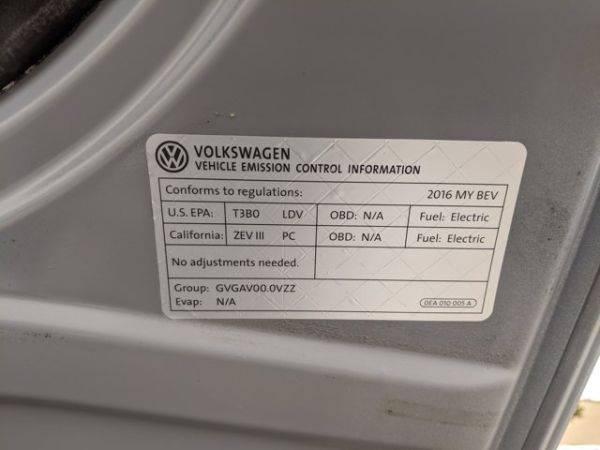 2016 Volkswagen e-Golf WVWKP7AU8GW915751