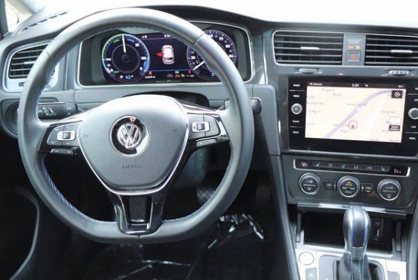 2017 Volkswagen e-Golf WVWPR7AU6HW954047