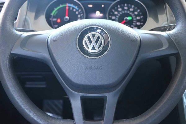 2016 Volkswagen e-Golf WVWKP7AU5GW915979