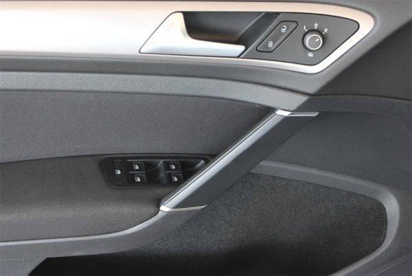 2016 Volkswagen e-Golf WVWKP7AU4GW916072
