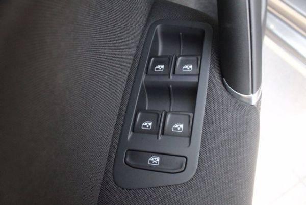 2019 Volkswagen e-Golf WVWKR7AUXKW919030