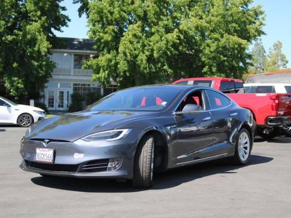 2018 Tesla Model S 5YJSA1E21JF281654