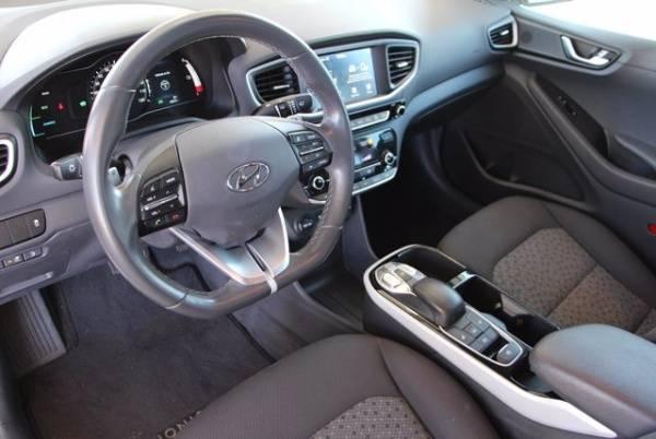 2017 Hyundai IONIQ KMHC75LH2HU009225