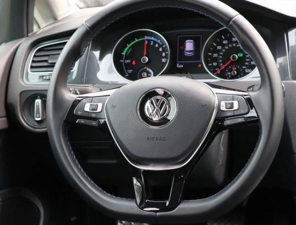 2019 Volkswagen e-Golf WVWKR7AU7KW917929