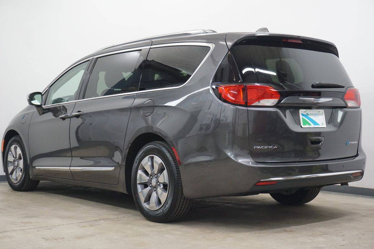2018 Chrysler Pacifica Hybrid 2C4RC1N77JR213027