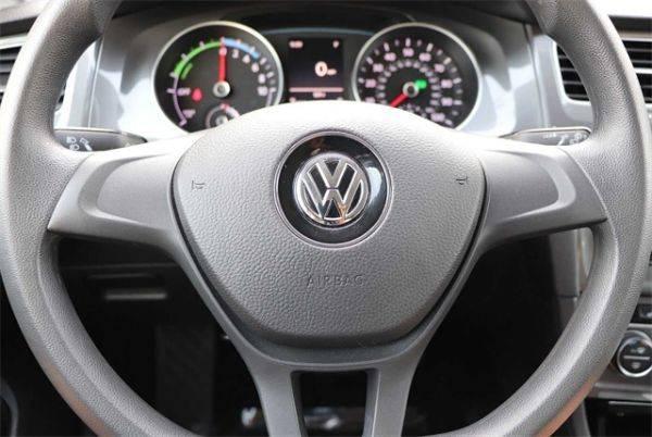 2016 Volkswagen e-Golf WVWKP7AU1GW911041