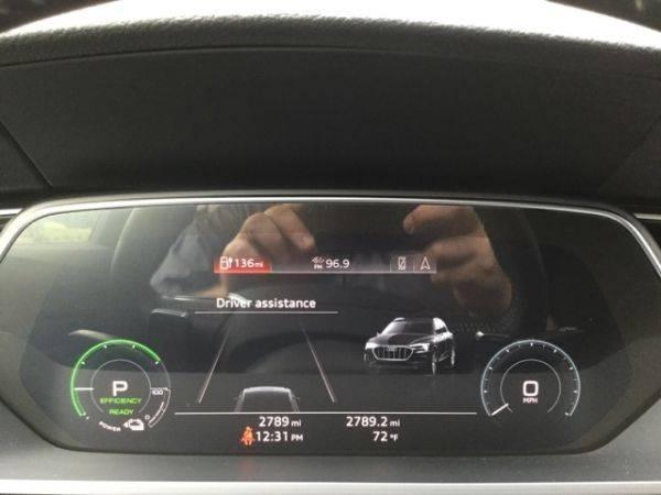 2019 Audi e-tron WA1LAAGE7KB008762