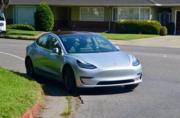 2018 Tesla Model 3 5YJ3E1EA7JF004104