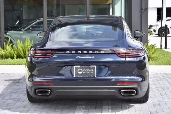 2018 Porsche Panamera WP0AE2A78JL128189