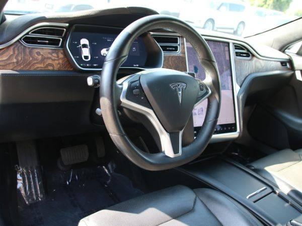 2017 Tesla Model S 5YJSA1E22HF174493