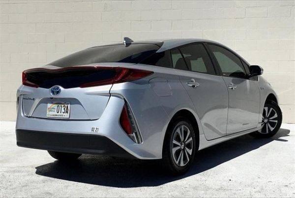 2018 Toyota Prius Prime JTDKARFP8J3086141