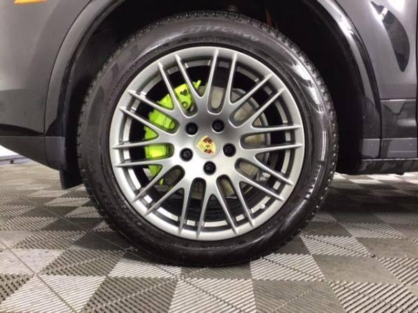 2017 Porsche Cayenne WP1AE2A23HLA76077