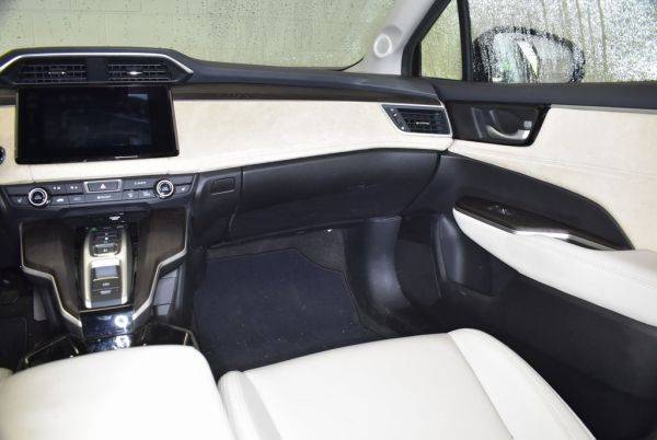 2018 Honda Clarity JHMZC5F35JC000426