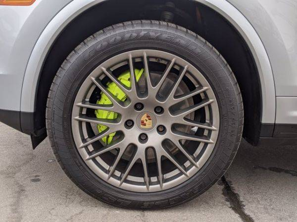 2017 Porsche Cayenne WP1AE2A2XHLA70891