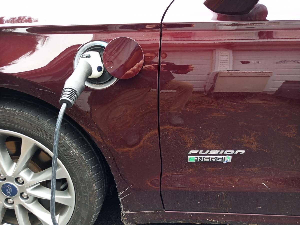 2018 Ford Fusion Energi 3FA6P0PUXJR106364