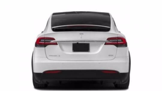 2018 Tesla Model X 5YJXCBE28JF091047