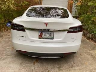 2015 Tesla Model S 5YJSA1E25FF114091