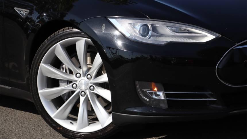2014 Tesla Model S 5YJSA1S18EFP33150