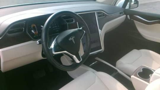 2017 Tesla Model X 5YJXCDE24HF066619