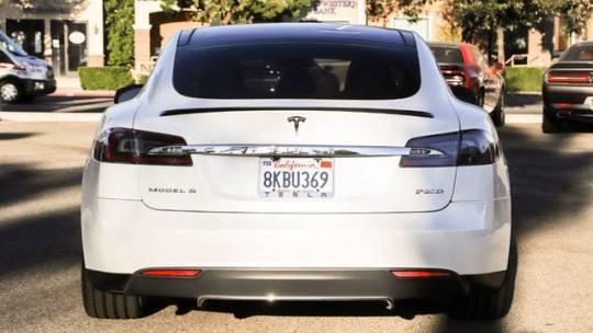 2016 Tesla Model S 5YJSA1E49GF125615