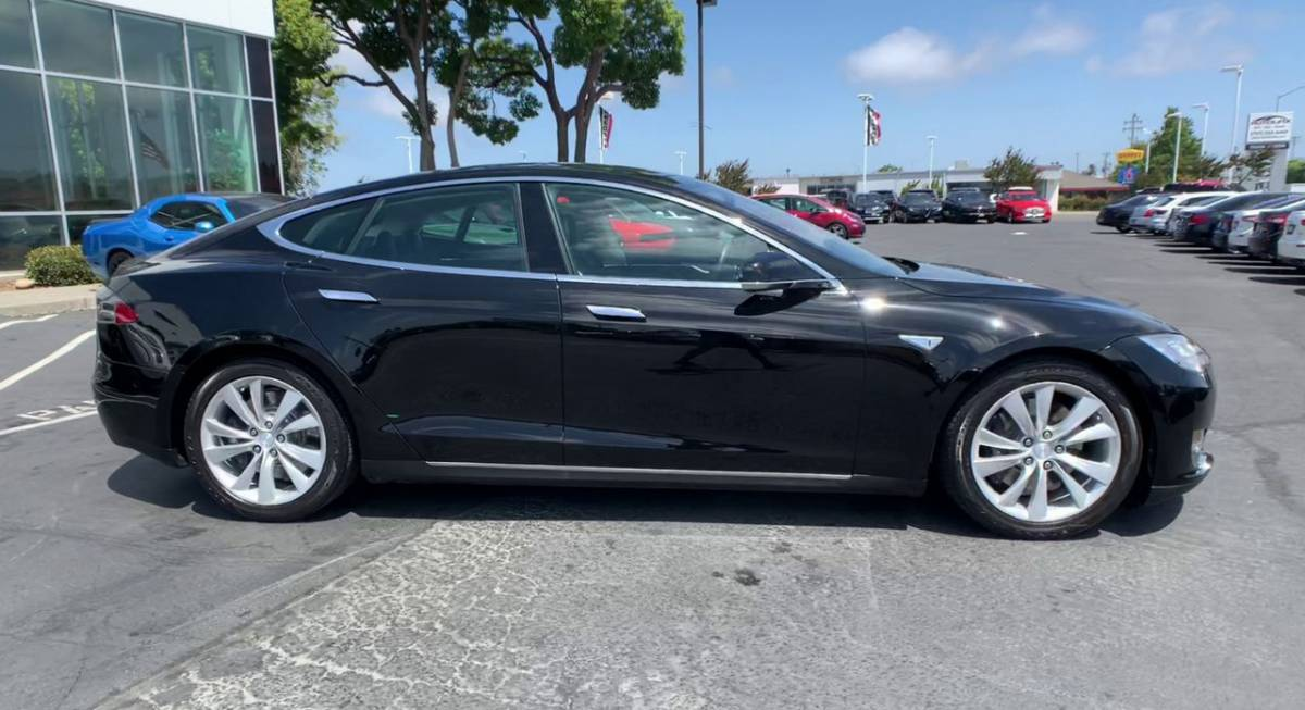 2013 Tesla Model S 5YJSA1CN5DFP22963
