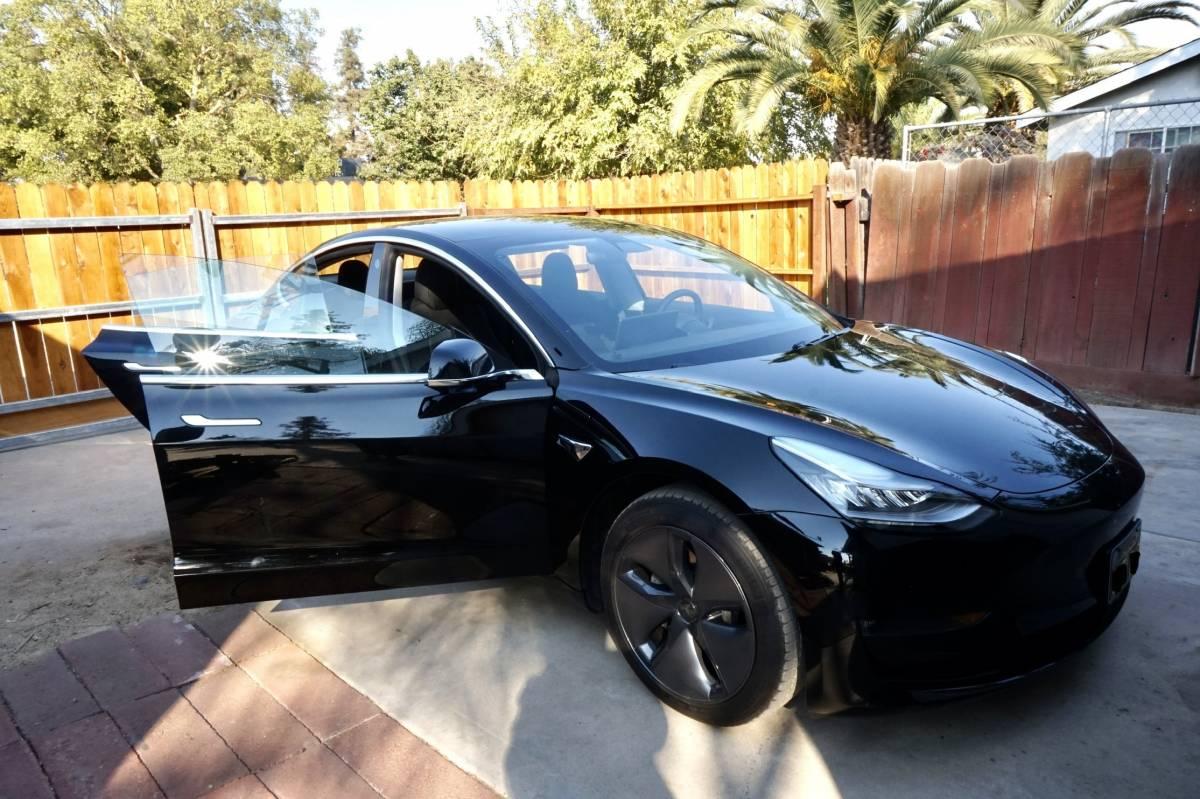 2019 Tesla Model 3 5YJ3E1EB2KF451756