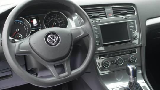 2016 Volkswagen e-Golf WVWKP7AU7GW917121