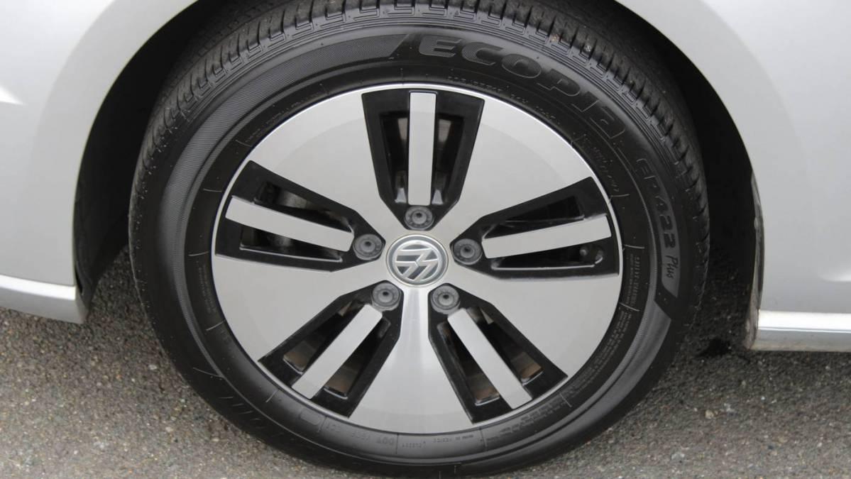 2016 Volkswagen e-Golf WVWKP7AU4GW907095
