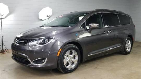 2018 Chrysler Pacifica Hybrid 2C4RC1N74JR237656