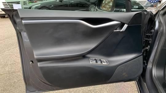 2016 Tesla Model S 5YJSA1E24GF131806