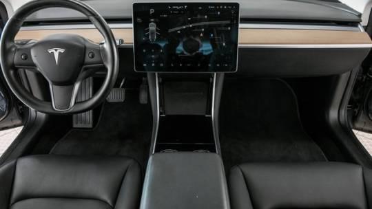 2018 Tesla Model 3 5YJ3E1EAXJF123698