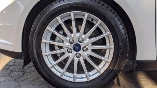 2015 Ford Focus 1FADP3R46FL221961