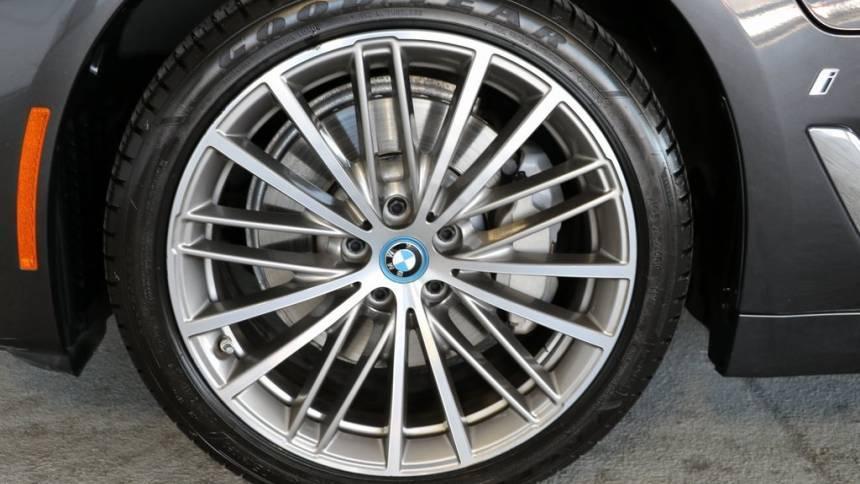 2018 BMW 5 Series WBAJB1C55JB084038