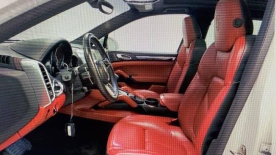 2017 Porsche Cayenne WP1AE2A23HLA74524
