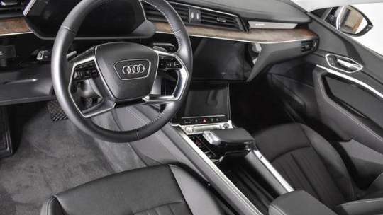 2019 Audi e-tron WA1LAAGE3KB020875