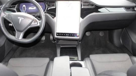 2018 Tesla Model S 5YJSA1E22JF281890