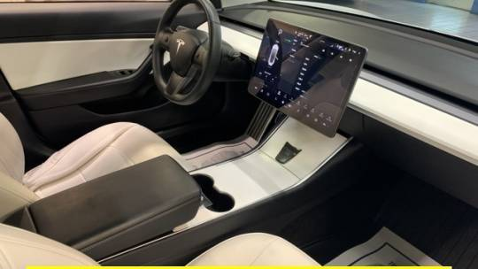 2019 Tesla Model 3 5YJ3E1EA4KF402968