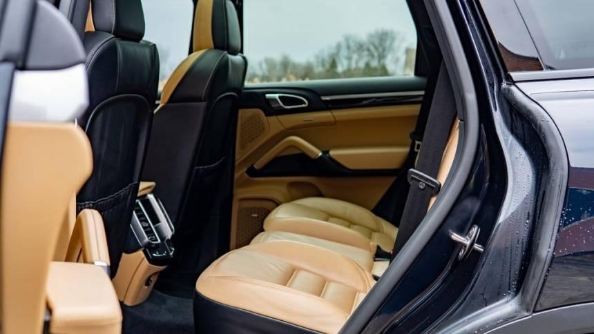 2017 Porsche Cayenne WP1AE2A2XHLA72785