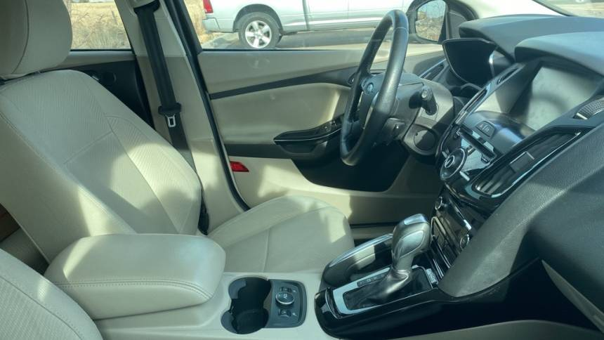 2013 Ford Focus 1FADP3R45DL364381