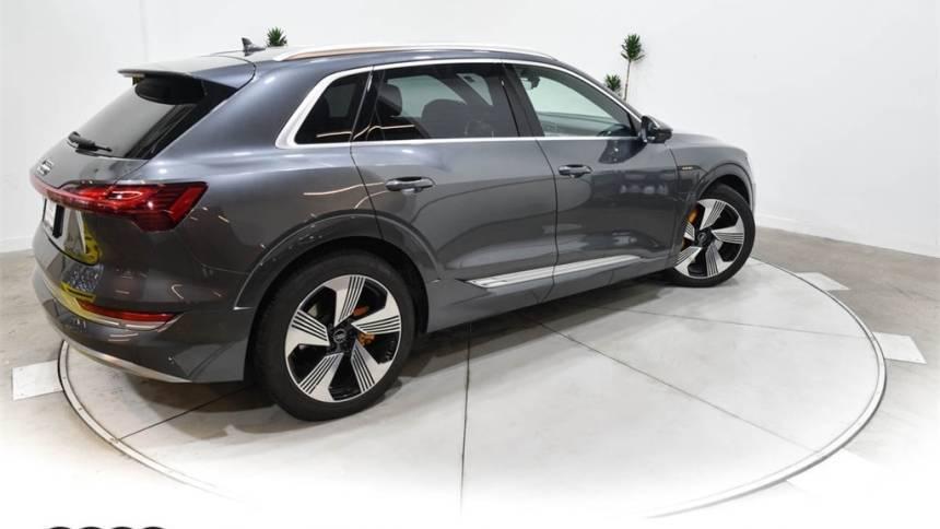 2019 Audi e-tron WA1VAAGE9KB007413