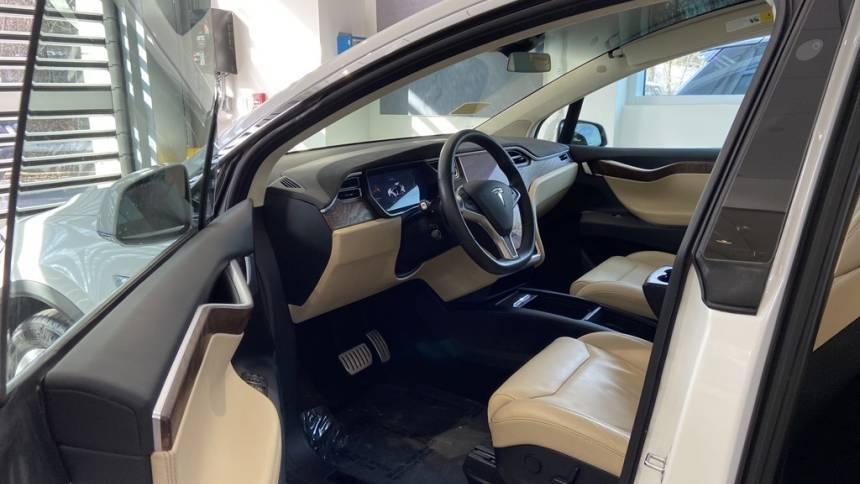 2017 Tesla Model X 5YJXCBE48HF054236